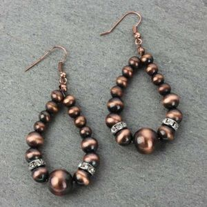 Jewelry - Navajo Style Pearl Teardrop Fish Hook Earrings